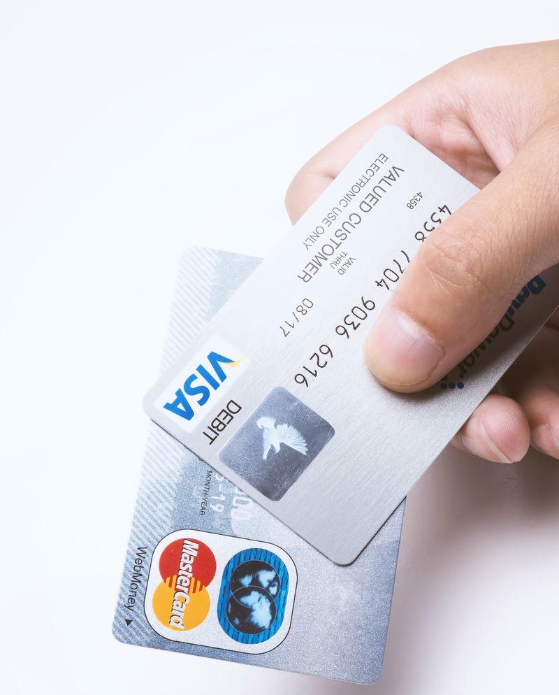 クレジットカードを知って賢く利用しよう