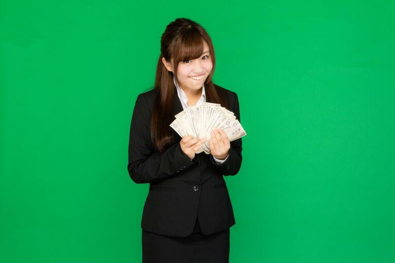 クレジットカード現金化の利用には、曜日と時間の確認を!